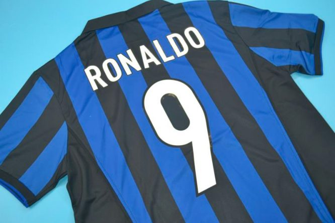 Ronaldo Nameset Alternate, Inter Milan 1998-1999 Home Short-Sleeve