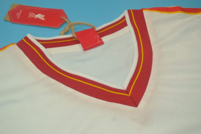 Shirt Collar Front, Liverpool 1985-1986 Away